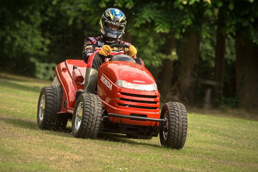 Mean Mower – odlotowa kosiarka