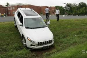 Jeep Cherokee ofiarą cyberataku, czyli co za dużo, to niezdrowo