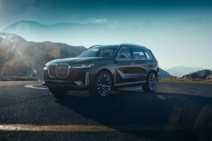 Premierowy BMW X7 – czy podzieli losy Titanika?